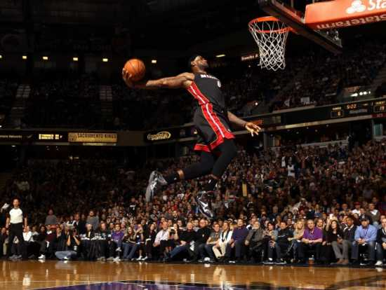 lebron-james-dunk-1.jpg