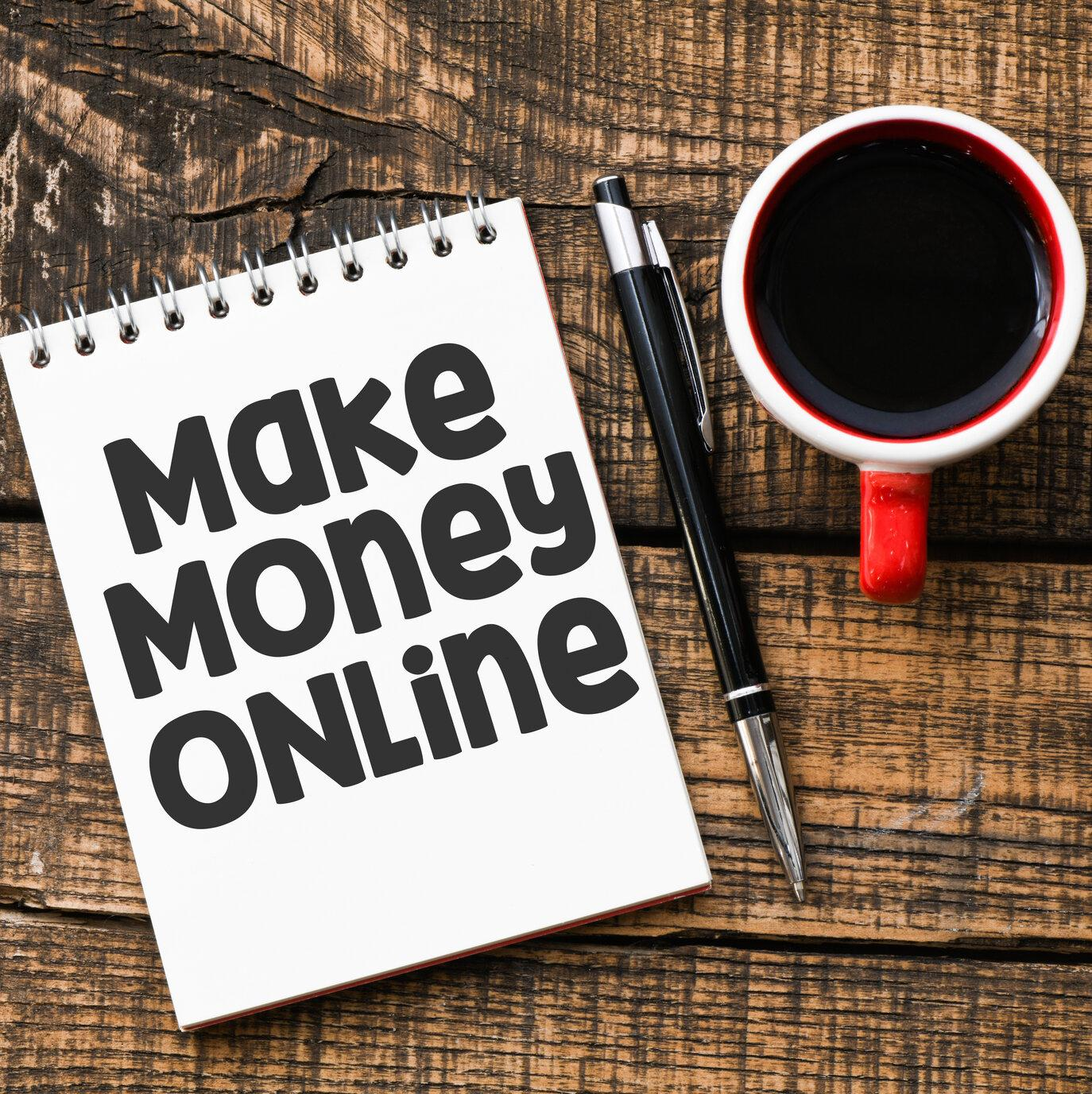 Notepad with Make Money Online on it