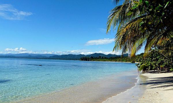 Parc-national-de-Cahuita-playa-blanca.jpg