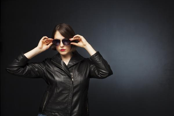 Woman_leatherjacket_Dollarphotoclub.jpg