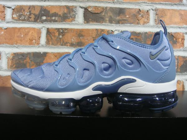db01d3f348007 NIKE AIR VAPORMAX PLUS - work blue cool grey diffused blue white  190