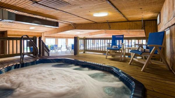 Best Western Branson Inn & Conference Jacuzzi Pool