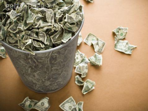 pembaziran wang, membazirkan wang